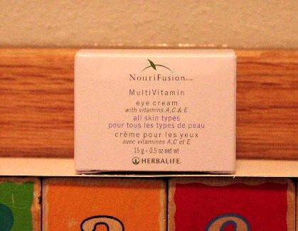 Herbalife NouriFusion MultiVitamin Eye Cream 1/2010