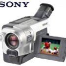 "Sony CCDTRV318 - Digital Camcorder with 2.5"" LCD and Steady Shot"