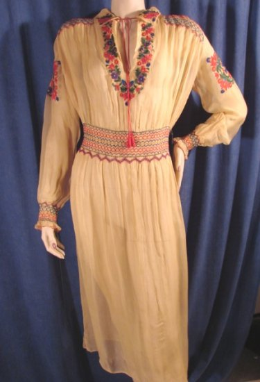 Vintage 20s Embroidered Hungarian Folk Dress Ethnic M L