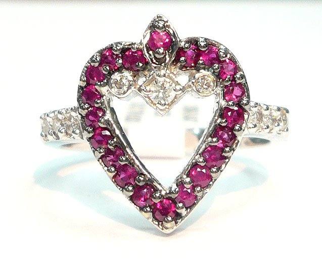 18K White Gold 0.17cts. Diamond & 0.38 Ruby Ring