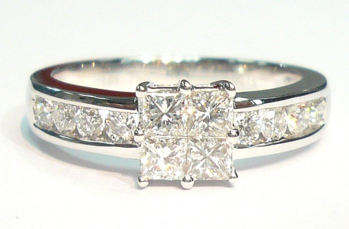 18K White Gold 0.75cts. Diamond Ring