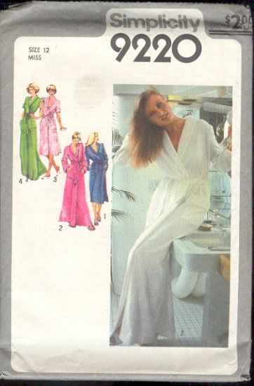 Simplicity Sewing Pattern 9220 Robe, Size 12