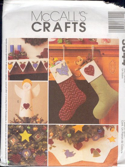 McCall's Sewing Pattern 3844, Christmas Mantle Piece, Sox, Ornaments and tree skirt