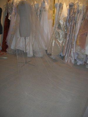 Bridal veil 207 Ivory
