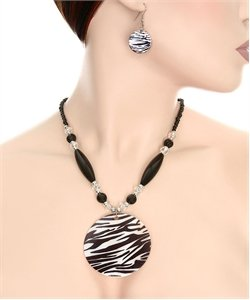 RB146- FASHION SHELL ZEBRA NECKLACE SET