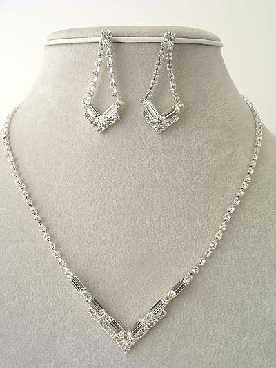V Shape design Necklace/Earring Set Reg $49.99