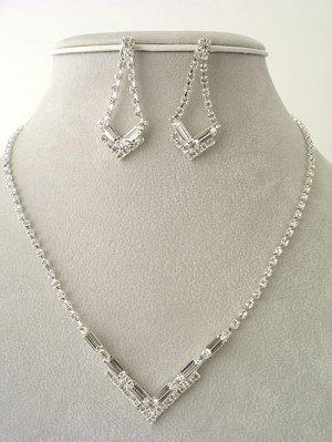 V Shape design Necklace/Earring Set Reg $49.99