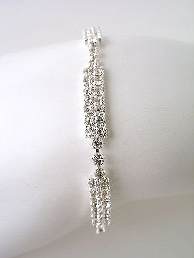 Clear Rhinestone simple and Elegant Bracelet