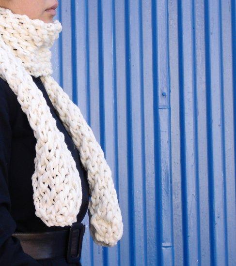 hand created : scarf [white]
