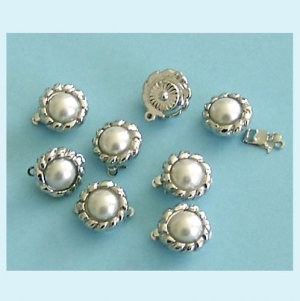 8 Pieces of Glass Pearl Clasps 12mm