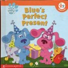 BLUE'S CLUES BLUE'S PERFECT PRESENT by KITTY FROSS  2002 CHILDREN'S HARDBACK BOOK NEAR MINT