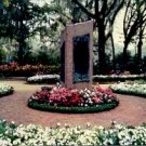 THE MONOLITH AT BELLINGRATH GARDENS MOBILE ALABAMA PICTURE POSTCARD #201 UNUSED