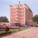 HOTEL CLARKS SHIRAZ OVERLOOKING THE TAJMAHAL INDIA COLOR PICTURE POSTCARD #411 UNUSED