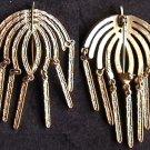 Sarah Coventry pin gold tone umbrella like design