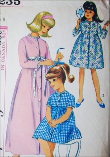 Simplicity 6235 vintage 1965 sewing pattern girls robe size 8