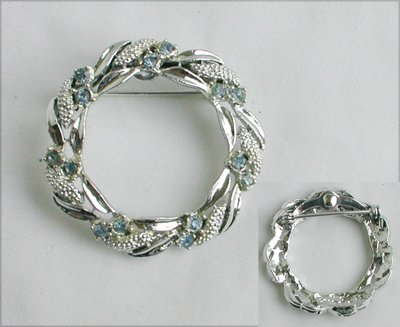 Gerry pin silver tone blue rhinestone circle brooch jewelry