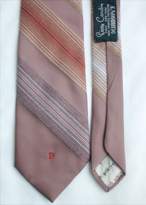 Pierre Cardin man's necktie soft brown stripes polyester 3 1/4 inches tie