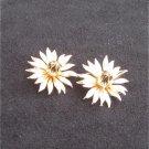 """Lisner clip earrings gold tone flowers 1 1/4"""" diameter vintage jewelry"""