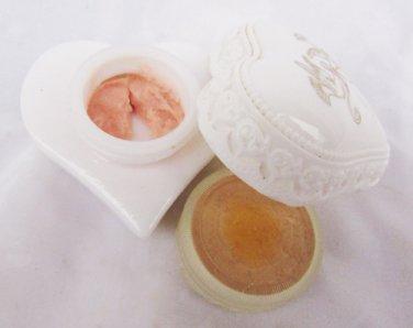 Avon Roses Roses cream sachet white heart with doves partially full