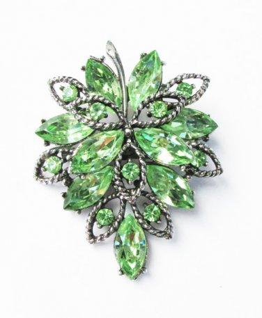 Vintage green rhinestone leaf pin original stones great shape