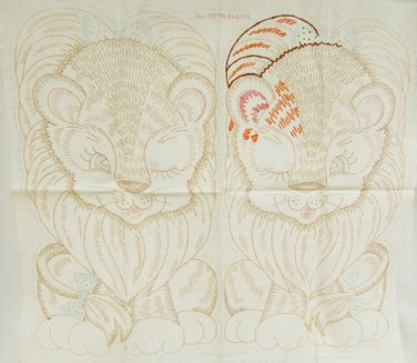 Stamped linen lion embroidery to create stuffed pillow animal Colortex