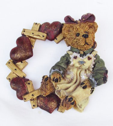 Boyd Bearswear pin valentine wreath & bear