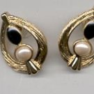 Avon  Classic Contrast Pierced Earrings