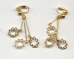 Avon Dangling Daisy Earrings - clip