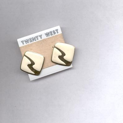Square shaped pierced earrings (#9)