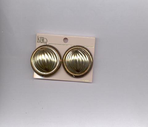 Goldtone clip on earrings (# 161)
