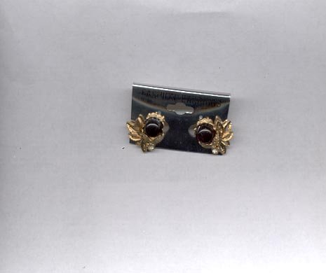 Goldtone and black clip on earrings (# 149)