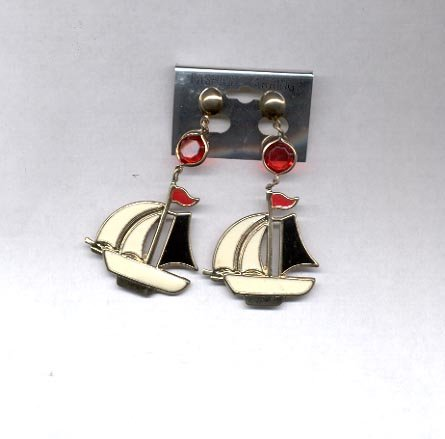 Sailboat pierced earrings (# 38)