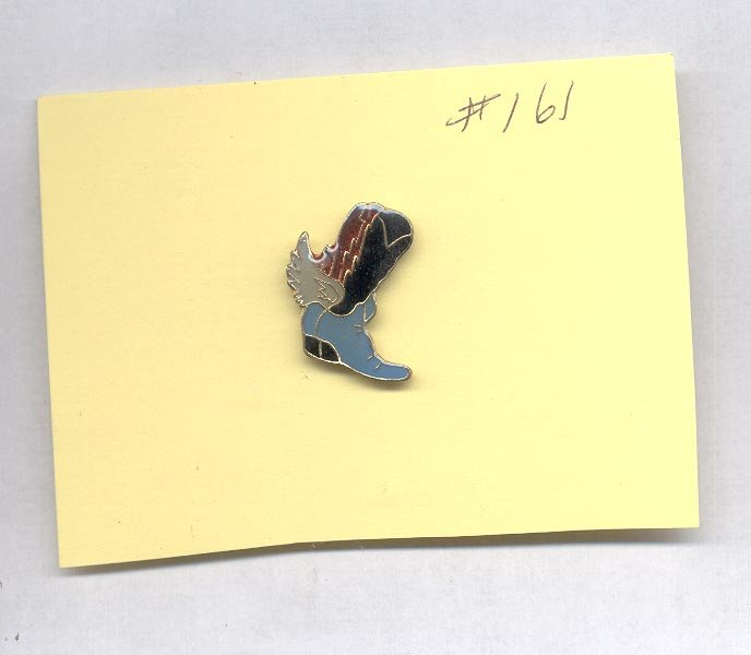 Boot    with spur  hat (lapel) pin (# 161)