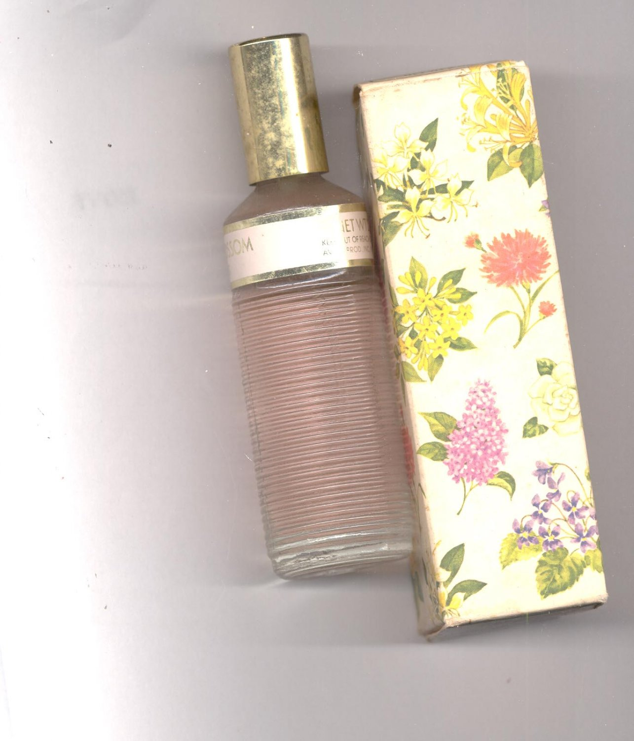 Avon Apple Blossom cologne mist- NOS