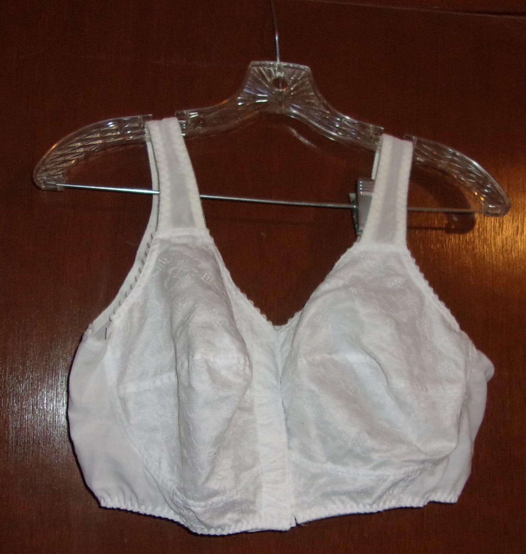 d80761f8c White Roaman s front closure bra- size 40E