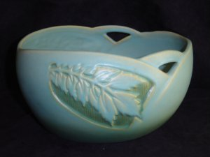 ROSEVILLE SILHOUETTE Console Bowl 727-8 Silhouette Leaf