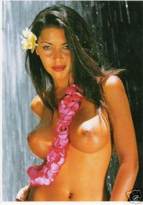 Tahitian Topless 19