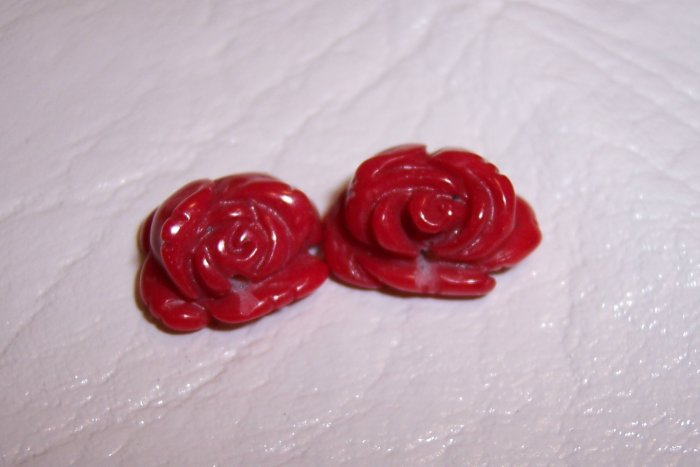 RED CORAL Carved Flower Bead 10-15mm