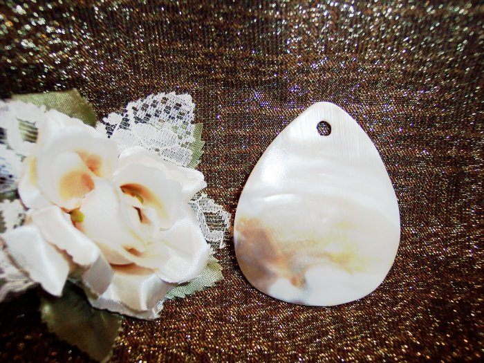 MOTHER OF PEARL TEARDROP Pendant 50x62mm