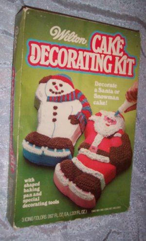 1979 WILTON SANTA CLAUS OR SNOWMAN CAKE KIT