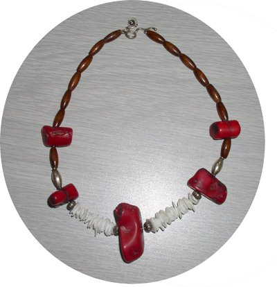 RED CHUNK CORAL, SHELLS & WOOD BEADED NECKLACE CCN34536