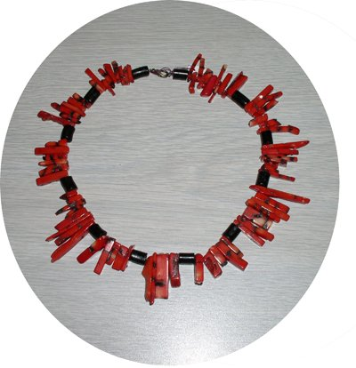 RED CUT & BLACK STICK CORAL NECKLACE CSN14032