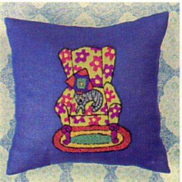 Cat Nap Pillow crewel kit (Kristin Nicholas)