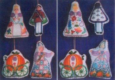 Cinderlla Ornaments crewel kit (set of 4)