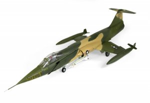 "Ultimate Soldier 1/18 Scale USAF F-104C ""Smoke II"""