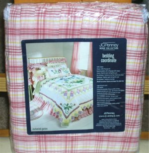 NEW . Enchanted Garden Pink Plaid King Size Bedskirt