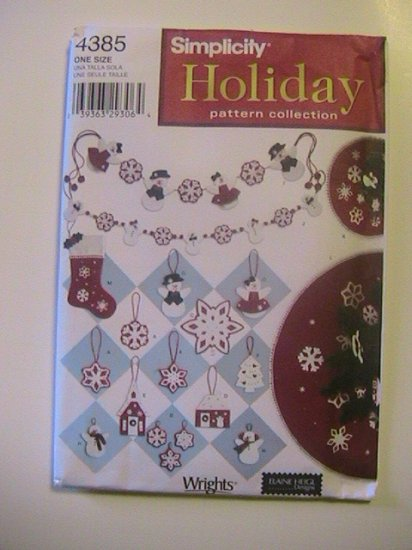 Simplicity Holiday Sewing Pattern Collection, 4385, Swag, treeskirt,Ornaments,Stocking
