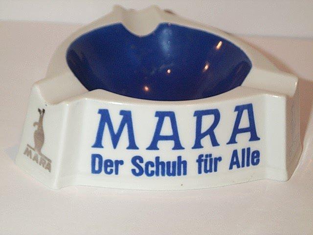 Kangaroo Ashtray MARA Der Schuh fur Alle German white blue dish