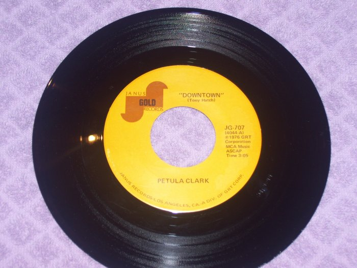Petula Clark- Downtown / Minnie Ripperton- Le Fleur   NM