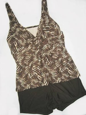 TWIST FRONT SHORTINI TANKINI SWIMSUIT 24W 46C U/W BRA